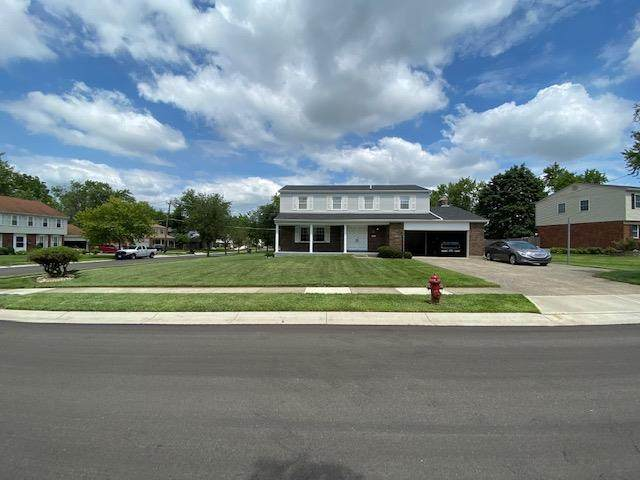 908 Cedarhill Drive, Springdale, OH 45240 (#1670768) :: Century 21 Thacker & Associates, Inc.