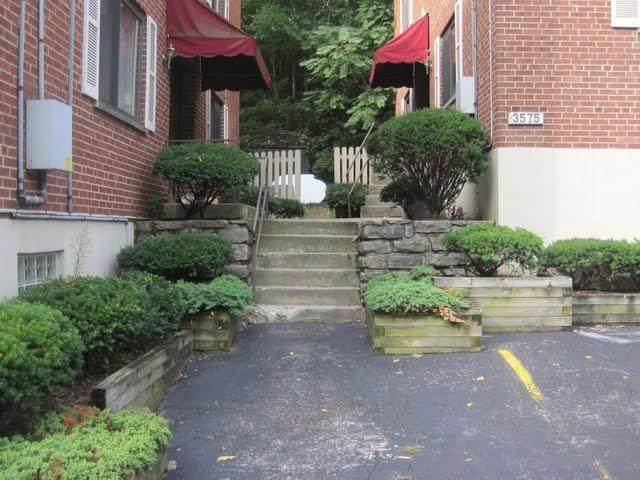 3577 Linwood Avenue - Photo 1