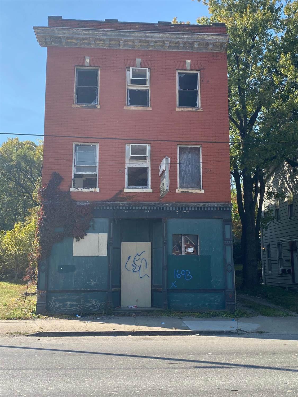 1693 Westwood Avenue - Photo 1
