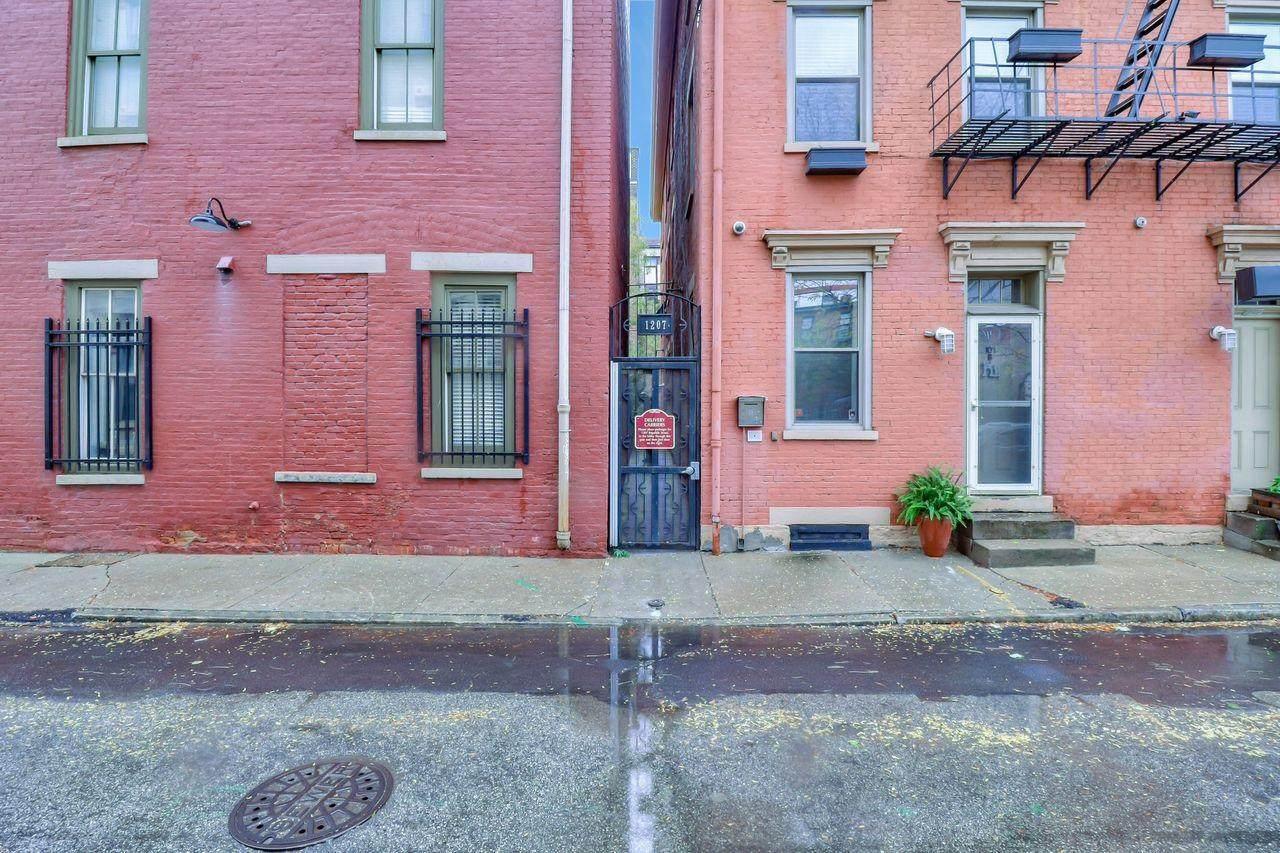 1207 Republic Street - Photo 1