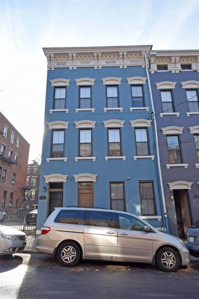 521 Thirteenth Street - Photo 1