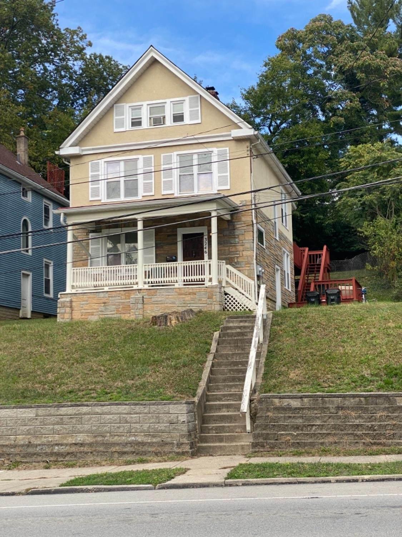 3246 Linwood Avenue - Photo 1