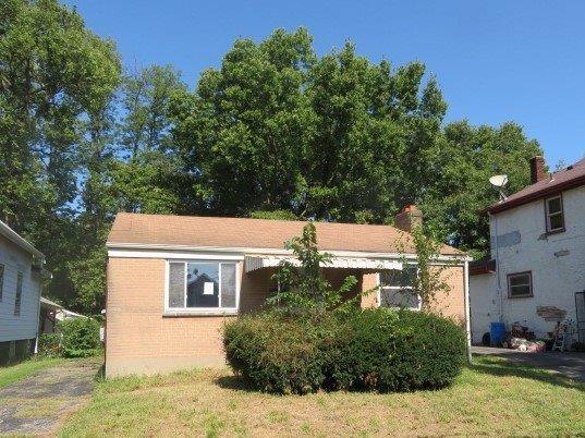 52 Ridgeway Road, Springfield Twp., OH 45216 (#1599816) :: Bill Gabbard Group