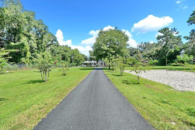 5789 W Riverbend Road, Dunnellon, FL 34433 (MLS #776114) :: Plantation Realty Inc.