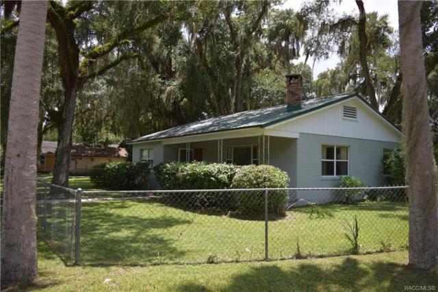 304 NE 11th Street, Crystal River, FL 34428 (MLS #784602) :: Pristine Properties