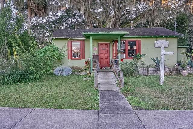 48 NE Crystal Street, Crystal River, FL 34428 (MLS #788791) :: Pristine Properties