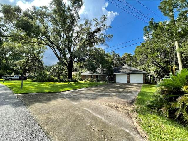 18 Palm Circle Drive, Inglis, FL 34449 (MLS #804265) :: Pristine Properties