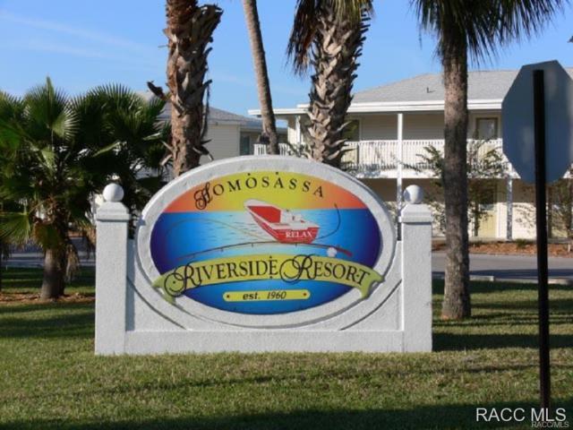 424 S Cherokee Way, Homosassa, FL 34448 (MLS #727987) :: Plantation Realty Inc.