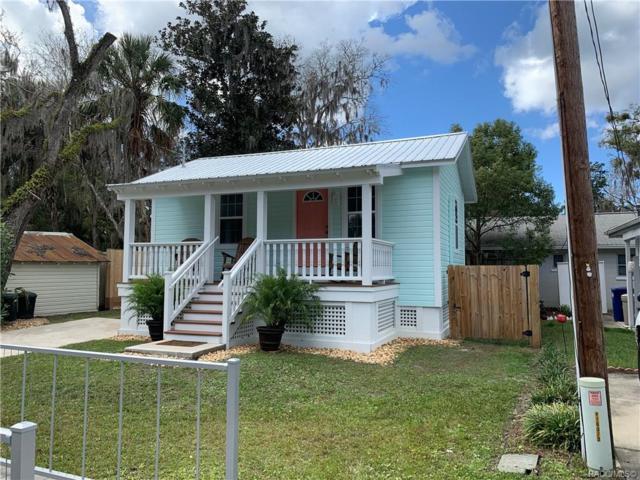 222 NE 1st Avenue, Crystal River, FL 34429 (MLS #780628) :: Pristine Properties