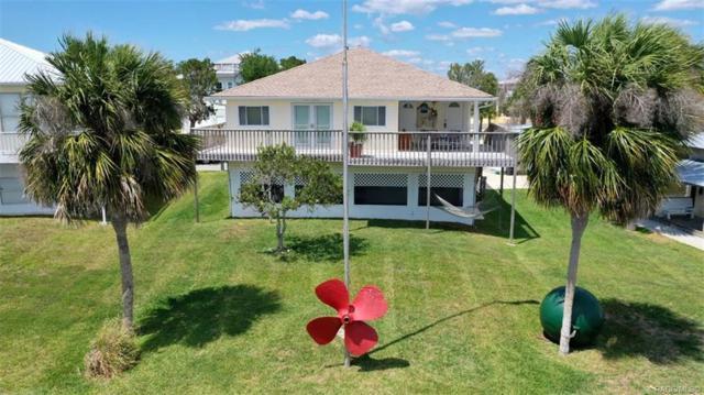 2095 S Schooner Drive, Crystal River, FL 34429 (MLS #782161) :: Pristine Properties