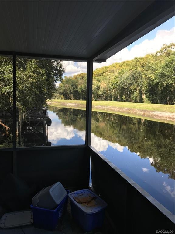 8409 N Oak River Way, Hernando, FL 34442 (MLS #778015) :: Plantation Realty Inc.