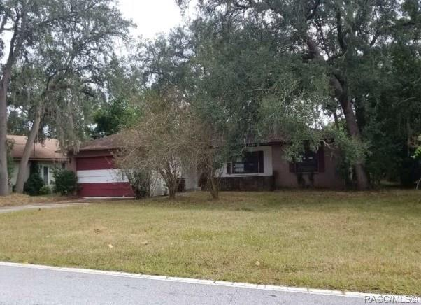2140 Waterfall Drive, Spring Hill, FL 34608 (MLS #778304) :: Plantation Realty Inc.