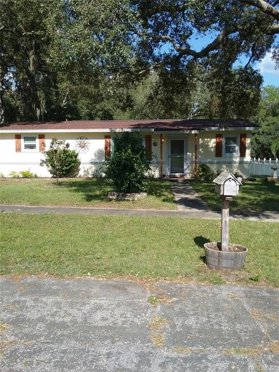 10123 N Alden Way, Citrus Springs, FL 34434 (MLS #779818) :: Plantation Realty Inc.