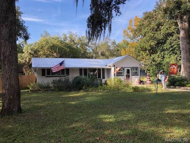 5212 Riverside Drive, Yankeetown, FL 34498 (MLS #787749) :: Pristine Properties