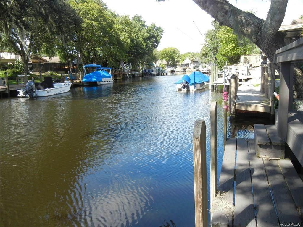 5204 Riverview Circle - Photo 1
