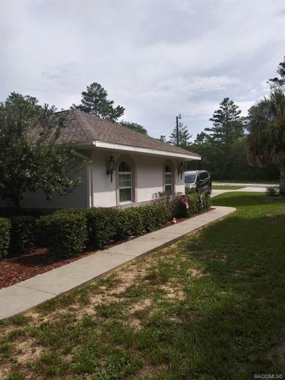 8068 N Gatewood Drive, Citrus Springs, FL 34433 (MLS #793251) :: Pristine Properties