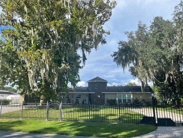 823 SW Kings Bay Drive, Crystal River, FL 34429 (MLS #806039) :: Plantation Realty Inc.