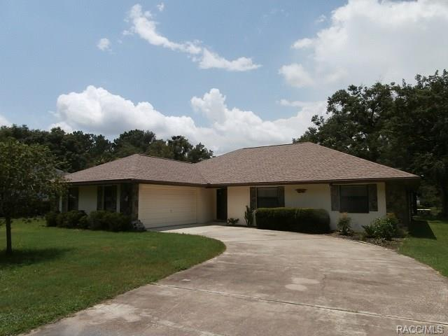 19725 SW 93rd Place, Dunnellon, FL 34432 (MLS #774570) :: Plantation Realty Inc.