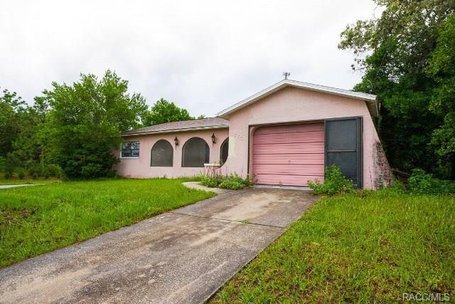 6331 Shadydale Avenue, Spring Hill, FL 34609 (MLS #774762) :: Plantation Realty Inc.