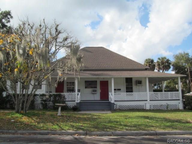 215 N Osceola Avenue, Inverness, FL 34450 (MLS #779452) :: Pristine Properties