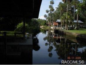24 Hickory Avenue, Yankeetown, FL 34498 (MLS #783737) :: Pristine Properties