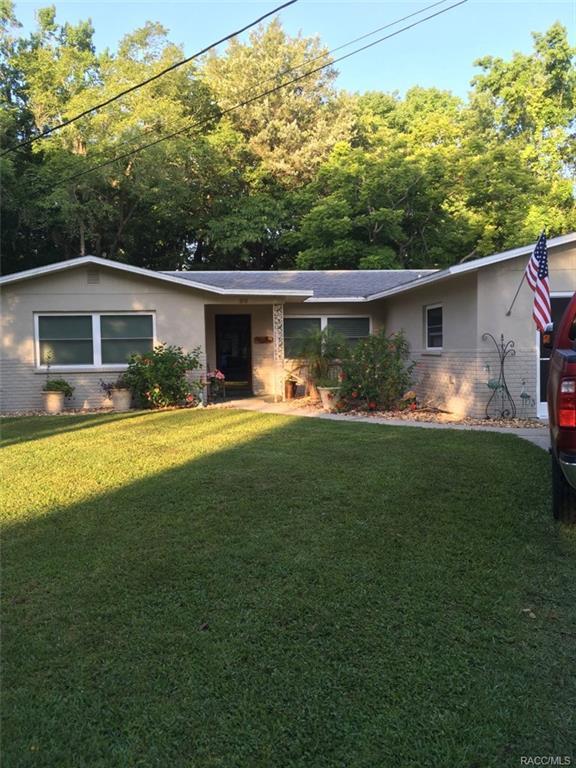 86 Canterbury Road, Inglis, FL 34449 (MLS #768022) :: Plantation Realty Inc.