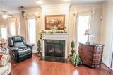 1060 The Glen Street - Photo 4