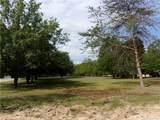 1025 Woodfield Drive - Photo 7