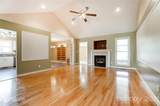 1527 Spring View Drive - Photo 4