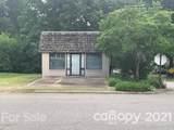 202 Oakwood Drive - Photo 1