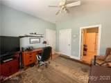 404 Wyndham Place - Photo 33