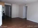 438 Carpenter Street - Photo 3