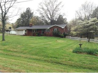7225 Cedarbrook Drive, Charlotte, NC 28215 (#3261640) :: Rinehart Realty