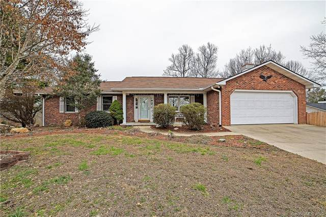 109 Eagle Rock Trail, Hendersonville, NC 28739 (#3575912) :: Keller Williams Professionals