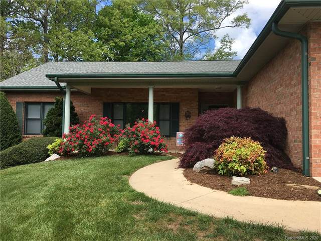 107 Fairway Knoll Drive, Hendersonville, NC 28739 (#3582941) :: Caulder Realty and Land Co.