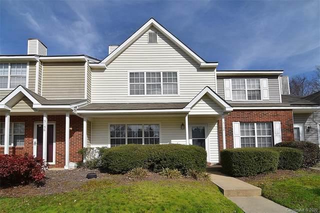 3134 Summercroft Lane, Charlotte, NC 28269 (#3588480) :: Miller Realty Group