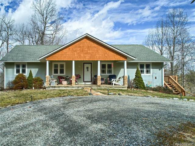 466 Deer Meadow Lane, Hendersonville, NC 28739 (#3591498) :: Roby Realty
