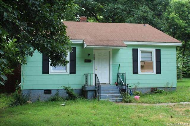 2304 Kennesaw Drive, Charlotte, NC 28216 (#3591575) :: Rinehart Realty