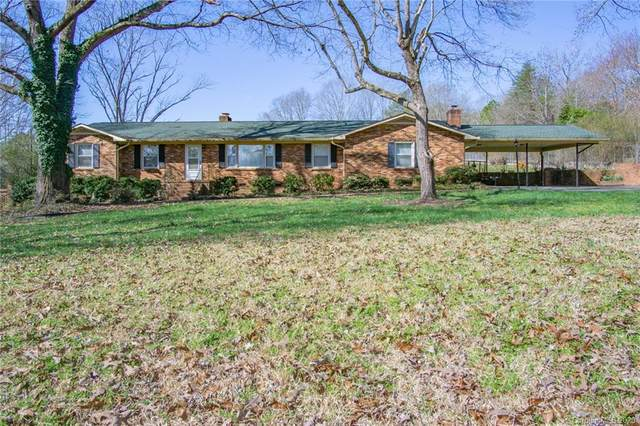 1999 Briarwood Circle, Fort Mill, SC 29715 (#3593159) :: The Andy Bovender Team