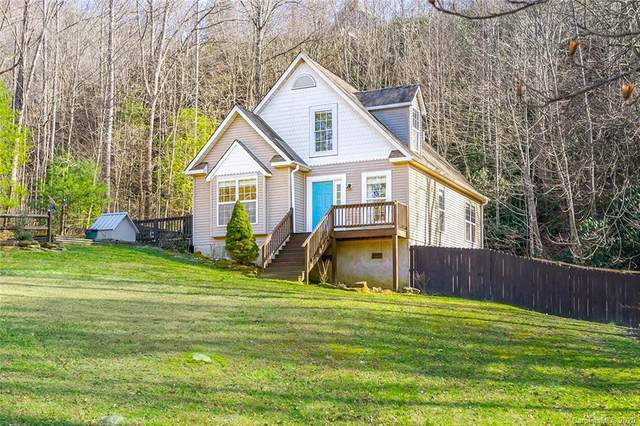 71 Shenandoah Drive, Hendersonville, NC 28792 (#3593493) :: Rowena Patton's All-Star Powerhouse