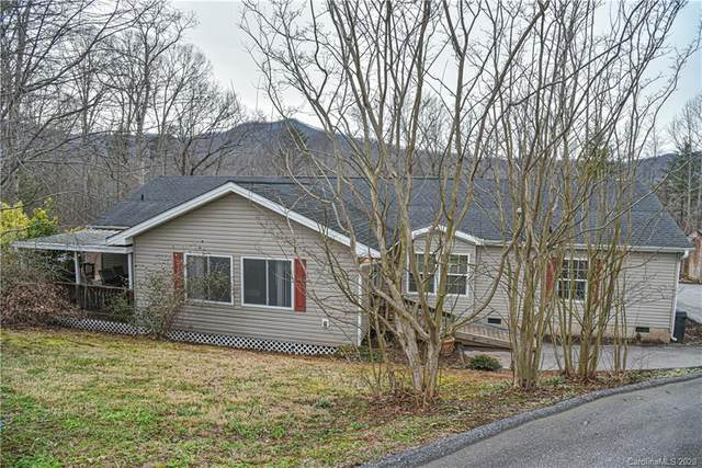 33 English Oaks Drive, Candler, NC 28715 (#3593932) :: Carver Pressley, REALTORS®