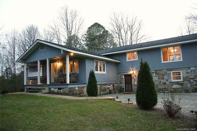 3044 Flat Creek Valley Road, Lake Toxaway, NC 28747 (#3594091) :: Rinehart Realty