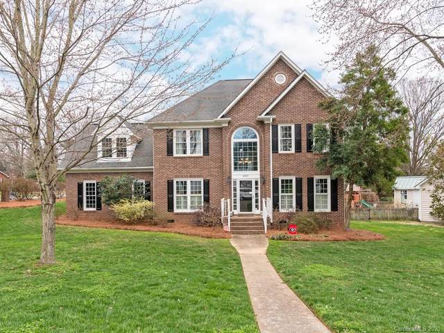 4401 Charlestowne Manor Drive, Charlotte, NC 28211 (#3594101) :: Miller Realty Group