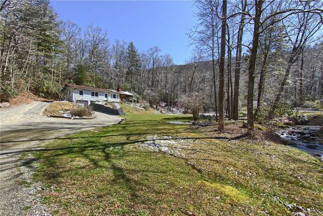 339 Holiday Drive, Hendersonville, NC 28739 (#3594672) :: The Ramsey Group