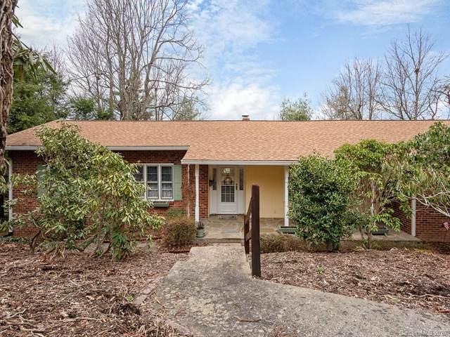 101 Deerwood Lane, Hendersonville, NC 28739 (#3594685) :: Carlyle Properties