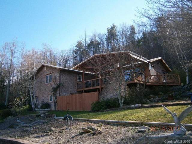 2122 Woodridge Drive, Hendersonville, NC 28739 (#3597017) :: Puma & Associates Realty Inc.