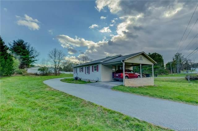 1 Bolton Court, Hendersonville, NC 28792 (#3597052) :: Johnson Property Group - Keller Williams