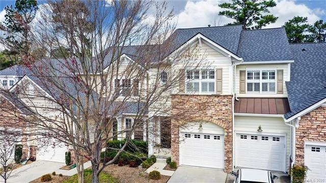 552 Pine Links Drive, Tega Cay, SC 29708 (#3600534) :: Miller Realty Group