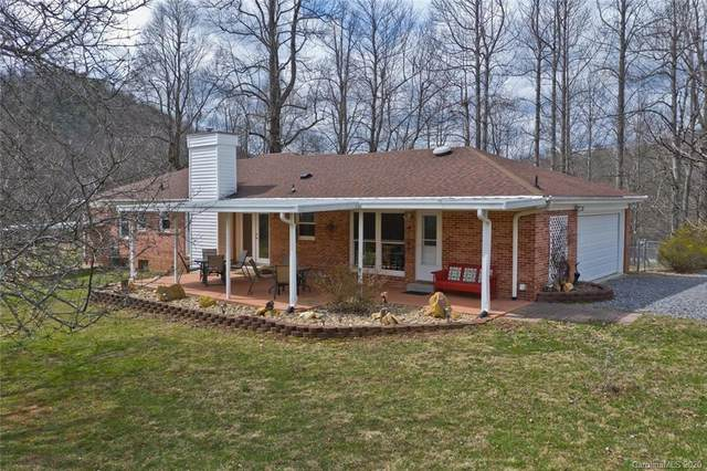 134 Echo Lake Drive, Fairview, NC 28730 (#3601621) :: MOVE Asheville Realty
