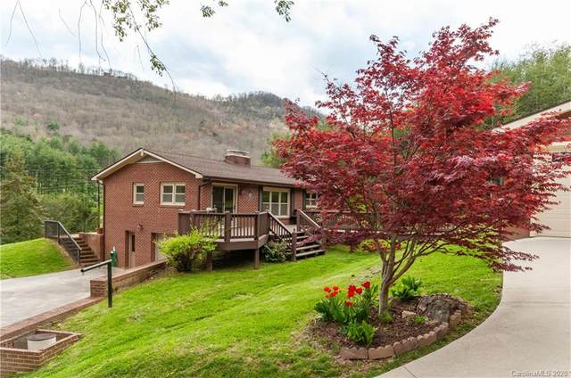 136 Lunar Trace Road, Waynesville, NC 28786 (#3602626) :: LePage Johnson Realty Group, LLC
